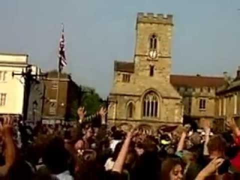 Royal Wedding Bun Throwing - Abingdon-on-Thames - 29th April 2012