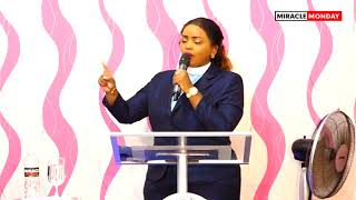 Secrets of a Giant Killer by Rev Lucy Natasha