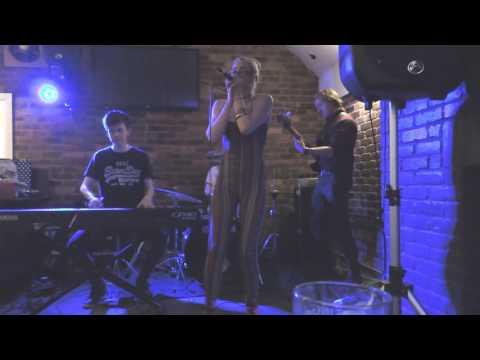 Paprika Blues Band - 13 Big Legged Woman (Dog And Doublet, Wolverhampton)