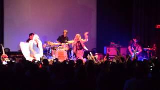 Yeah Yeah Yeahs ft. Har Mar Superstar - Buried Alive (live in Santa Cruz 8/15/13)