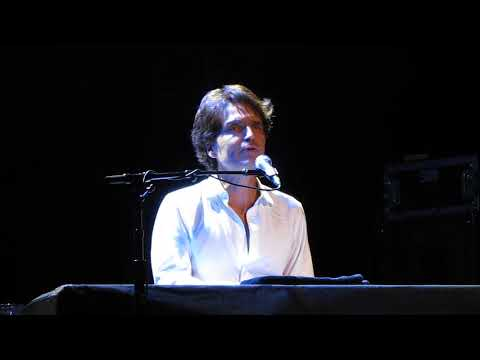 "Richard Marx Singing ""Right Here Waiting"" 2018"