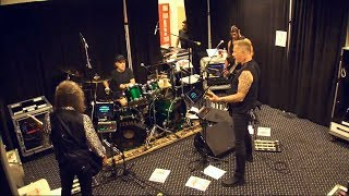 Video Metallica Murder One Tuning Room ST. LOUIS JUN 04 2017 download MP3, 3GP, MP4, WEBM, AVI, FLV Januari 2018