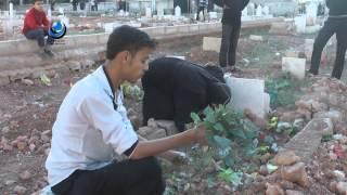 تل الزرازير أم ثكلى ترثي ابنها بعد قصف الطيران للمقبرة الموجود فيها قبر ابنها 13 4 2014