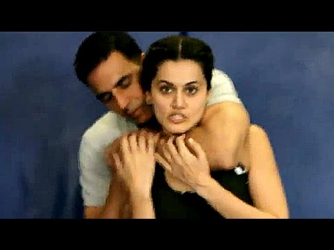 Akshay Kumar And Taapsee Pannu Teach Self Defence On Women's Day | Bollywood Buzz