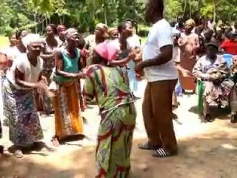 Des sourires pour le Togo à Evou Apegame 13.9.2015