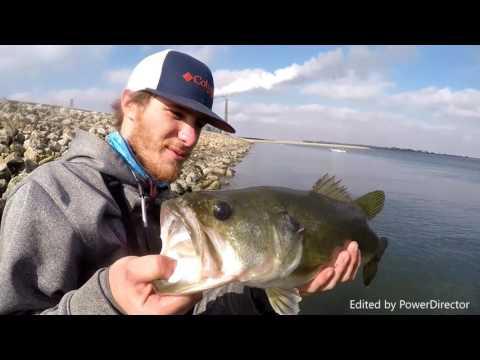 Slaying Bass on Fayette County Lake