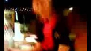 アントニオ猪木酒場池袋店に潜入 会場一体となって「シャカシャカサラダ...