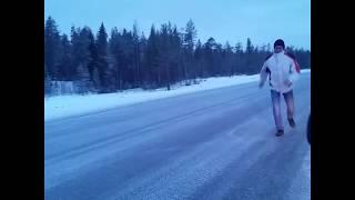 Gambar cover Ледяная дорога по пути в Териберку