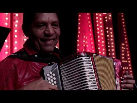 Mermelada Bunch - Mueve (En Vivo) [vídeo]