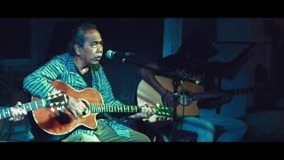 """Menjadi Matahari""  Sawung Jabo - Sirkus Barock  Live Acoustic at Ruang Putih Bandung"