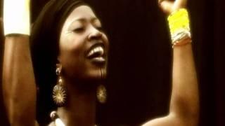 Dobet Gnahoré  - Issa - Clip officiel