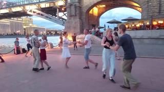 Самба - Open air - Бальные танцы в Парке Горького, Москва, август 2018