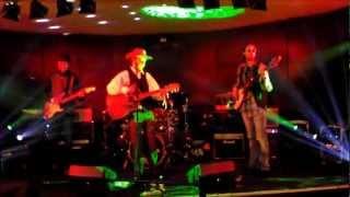 Johnny Trzy Palce - Piosenka o miłości (takiego Janka do takiej Zośki) LIVE