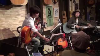 16年10月10日(月)福岡のフォーク喫茶「白いギター」にて♪ 白いギターと...