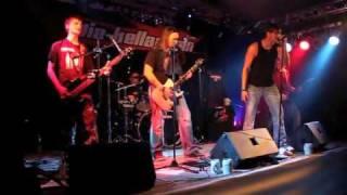 Kellaassln - Mit einem Fuß im Grab Live (broilers)