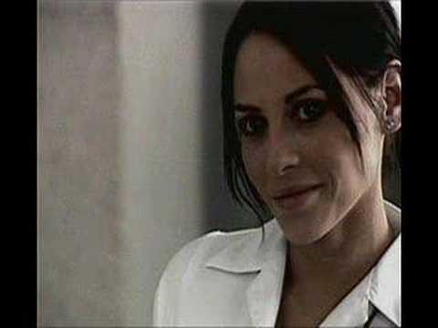 Marina (Elizabeth Cervantes)