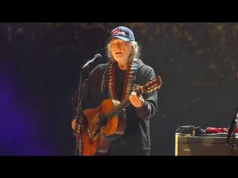 Willie Nelson - Funny How Time Slips Away (Live at Farm Aid 30)
