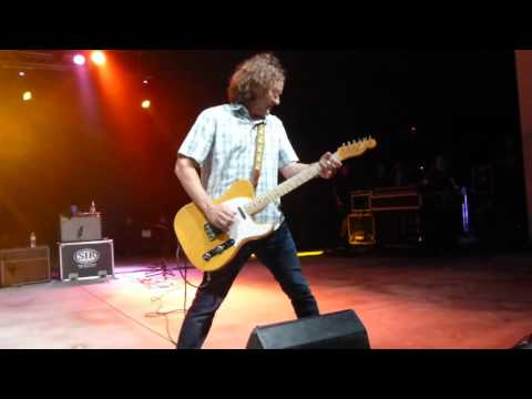 GIN BLOSSOMS - Found Out About You, Live