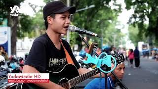 Hampa - AriLasso Cover Musisi Jalan Malang (Video Dibuang Sayang)