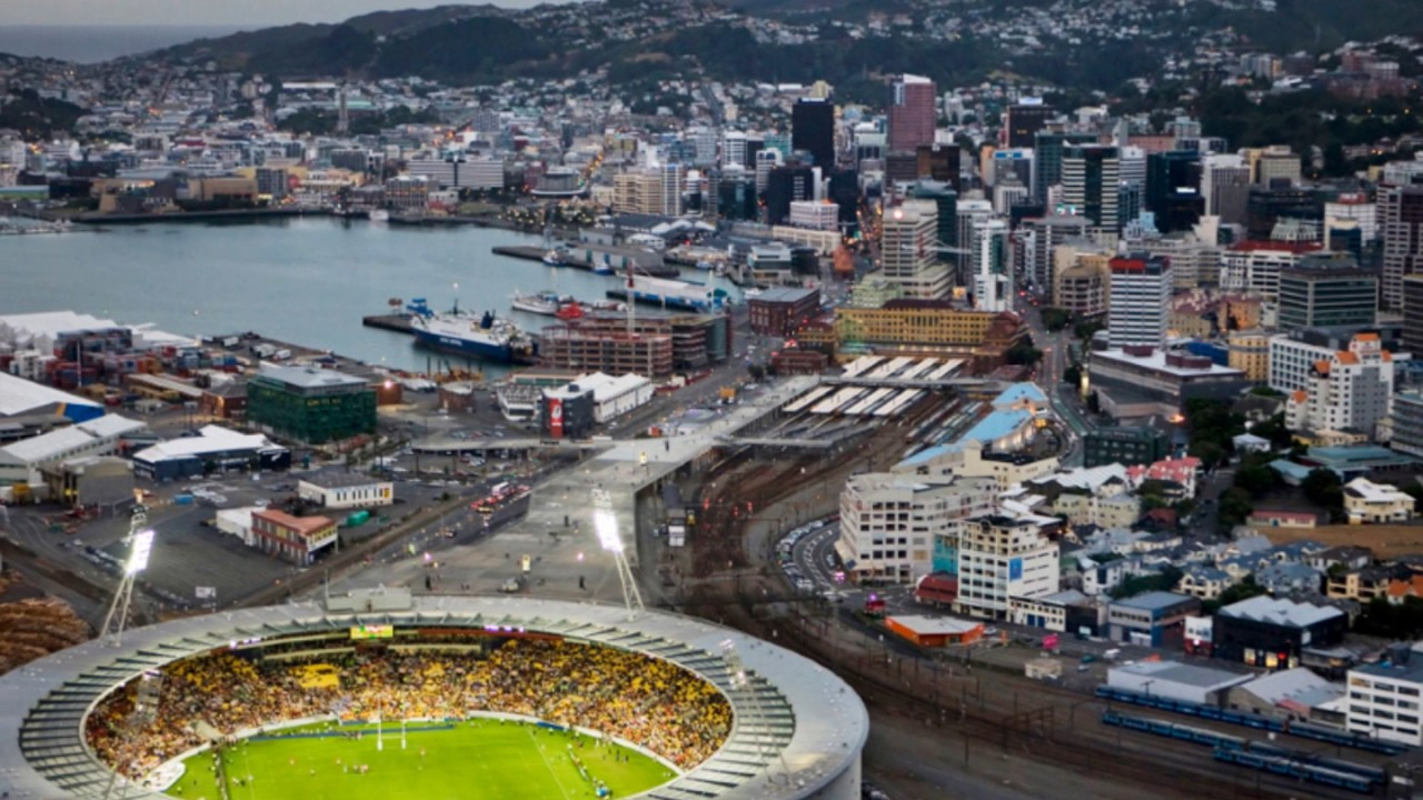 Wellington Beautiful City In New Zealand Is Always Threatened By A Possible Earthquake And Tsunami Youtube