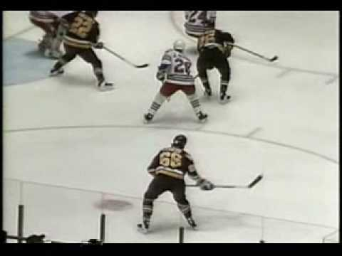 Mario Lemieux scores 5 goals in one game