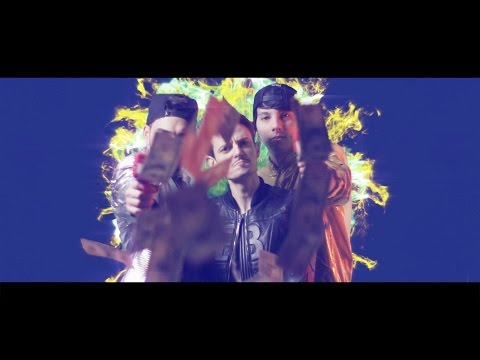 andiamo-a-comandare-(official-video)