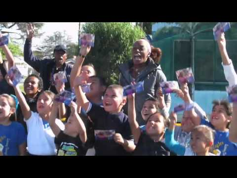 Sloane Stephens visits Foster Elementary.