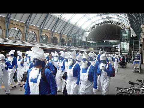 Hartlepool United Smurfs arrive at Kings Cross