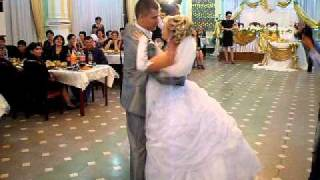 ах это свадьба ,свадьба,свадьба пела.....и плясала!!!!!!!!!