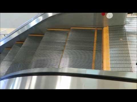 The Slowest Escalator on YouTube @ Aeropuerto Internacional de Tocumen, Panama City, Panama