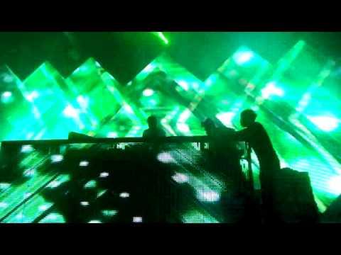 2012/5/25Revolution the Music Party, Taichung City, Taiwan : Josh Gallahan