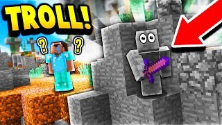 HE NEVER FOUND ME!! (Minecraft Skywars Camo Trolling)