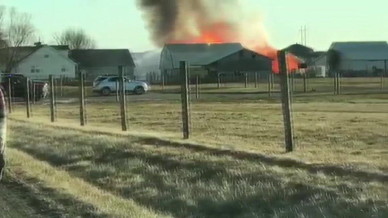 Barn Fire in NE Allen County - YouTube