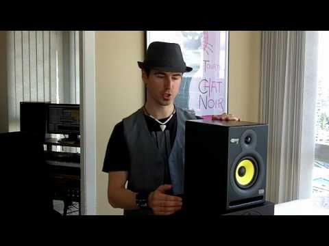 Choosing reference monitor speakers for your music studio