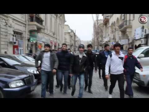 12 Mart - Bakida Genclerin Etiraz Aksiyasi...Musavat-in mitingi (No Comment)