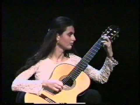Lydia Danihelova performs Dyens