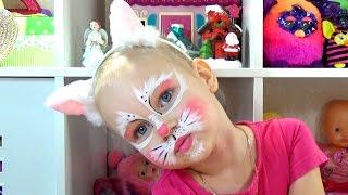 Алиса стала КОШЕЧКОЙ Аквагрим для детей Новогодние сюрпризы!!! Alice CAT face painting for kids