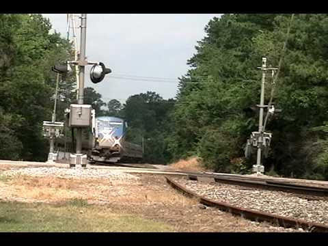 Railfanning CSX and Amtrak - Williamsburg,...