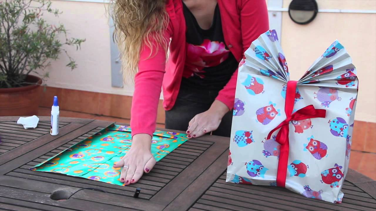 C mo hacer bolsas de regalo personalizadas adornos de - Como hacer cosas de navidad ...