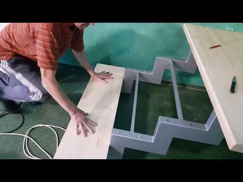 видео: Крепим деревянные ступени.