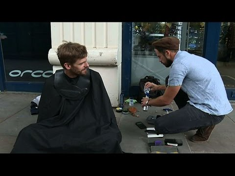 Joshua Coombes coiffeur des rues : #DoSomethingForNothing