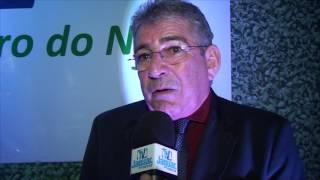 Empresário Zé Bezerra se emociona ao receber honraria da CDL