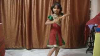 A talented kid dancing for riva riva song from India
