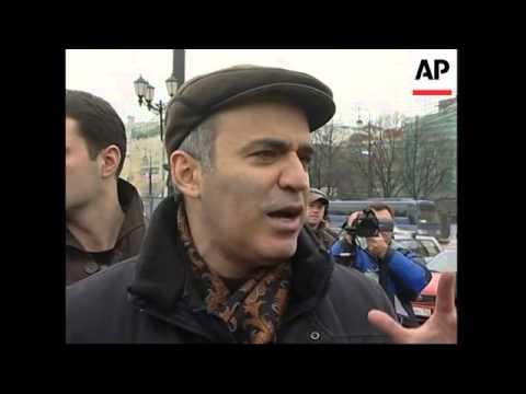 Kasyanov, Kasparov call foul in elections, govt spox, voxpops