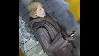 Bandai S.H. Figuarts Luke Skywalker Star Wars Last Jedi Figure Review