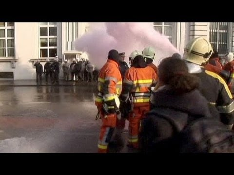 Belgium: firefighters spray premier's office