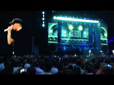 Eminem - Marshall Mathers, Just Dont Give A Fuck, Still Dont Give A Fuck & Criminal live at Wembley