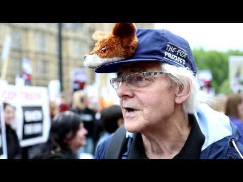 Fox Hunting Ban: Hundreds Celebrate Outside Parliament As David Cameron Shelves Vote