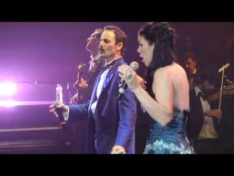 Queen Sinfónico - Dios Salve a la Reina - How Can I Go On
