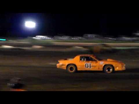 Gary Pescador #01 Heat 1 Street Stock 6/3/17 Paradise Speedway Maui